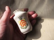 COLLECTABLE VINTAGE CRESTED WARE MINI VASE W. H. LANE CANTON VILLA CARDIFF